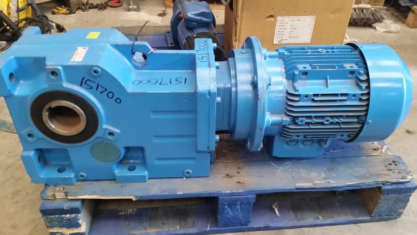Flender Gearbox With Siemens 5 5kw 3 Phase Motor 70mm Bore
